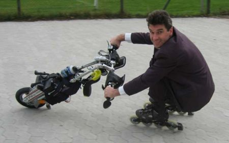 Flyrad Unicycle Uses Skates For Wheels (Video)